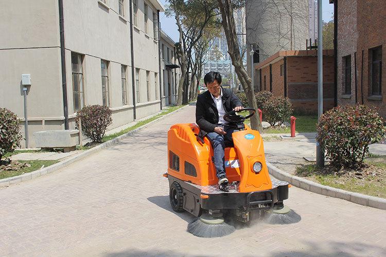 驾驶式扫地机可以清扫哪些物质